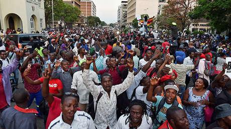 Élites corruptas vs. jóvenes luchadores: ¿Quién ganará la gran guerra generacional en África?