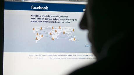 Los reportes sobre una fuga masiva de datos le cuestan caro a Facebook