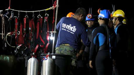 tailandia comienza operación rescate niños atrapados cueva gráfico