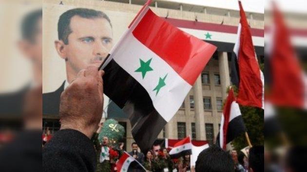 """Embajador sirio: """"Bashar al Assad no se irá, los 'Amigos de Siria' financian terroristas"""""""
