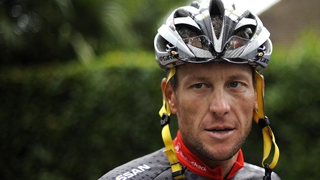 Investigan en España si el ex ciclista Armstrong traficó con sustancias de dopaje