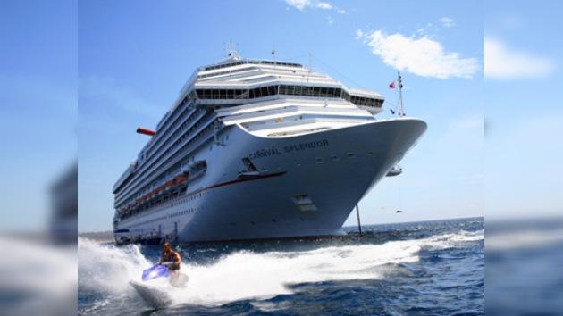 Un crucero con más de 4.000 personas a bordo queda varado en México