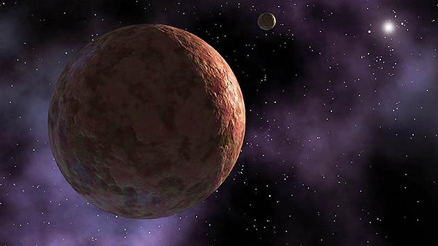 O enigmático planeta anão Makemake, descoberto