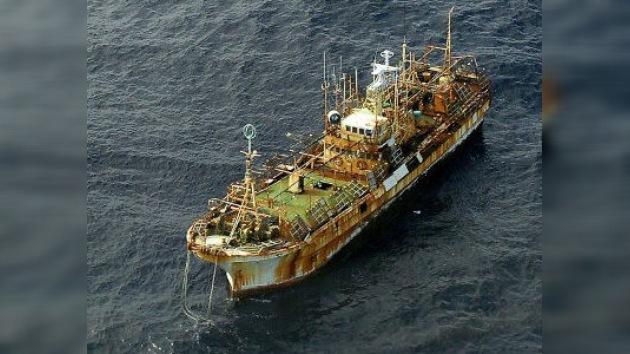 La Guardia Costera de EE. UU. abre fuego y hunde al ´barco fantasma´ japonés