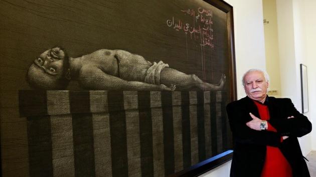 Artista sirio muestra el trauma de la guerra en dibujos al carbón de leña