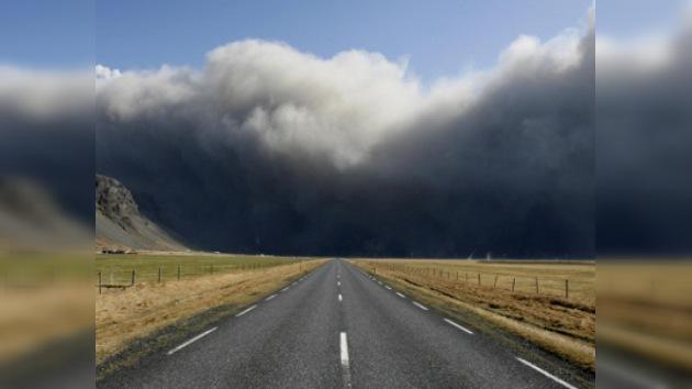 Europa paralizada por erupción del Eyjafjalla