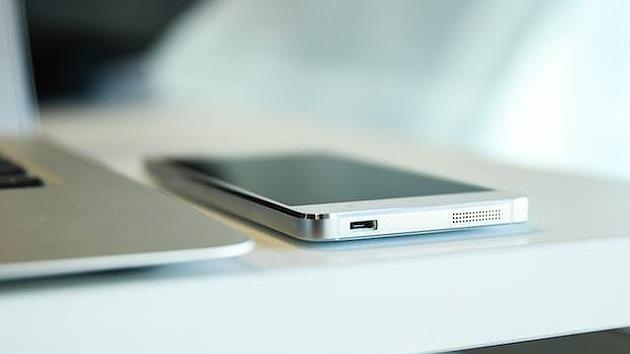 Un 'iPhone 6' chino debuta en China adelantándose a Apple