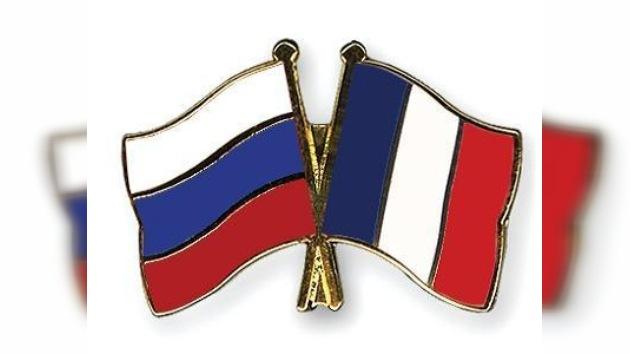Dmitri Medvédev se reúne con empresarios franceses y rusos