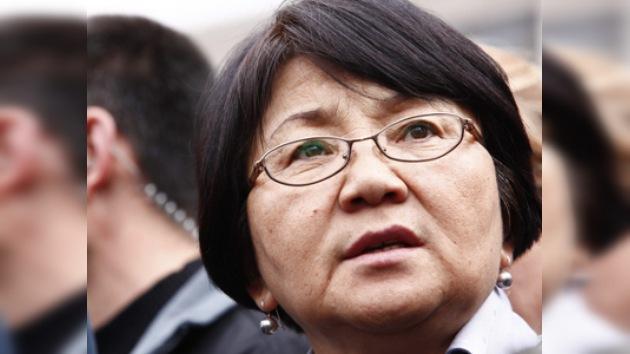 Kirguistán transita de la dictadura a la democracia