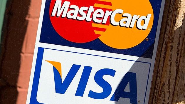 Visa y MasterCard crean un operador de pagos ruso para seguir funcionando en Rusia
