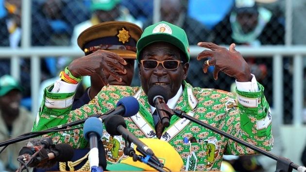 Entre Hitler y Jesucristo: las frases más excéntricas del cumpleañero Robert Mugabe