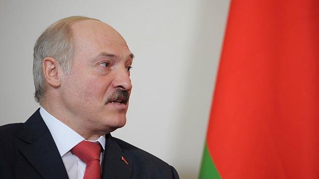 Un canal finlandés 'entierra' al presidente Lukashenko en vez de al oligarca Berezovski
