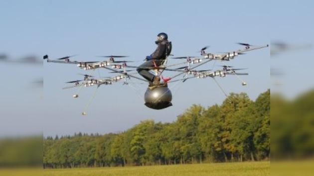 Realizan el primer vuelo pilotado de un multicóptero