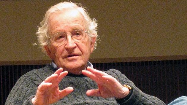 """Chomsky: """"EE.UU. debería cumplir sus propias leyes"""""""