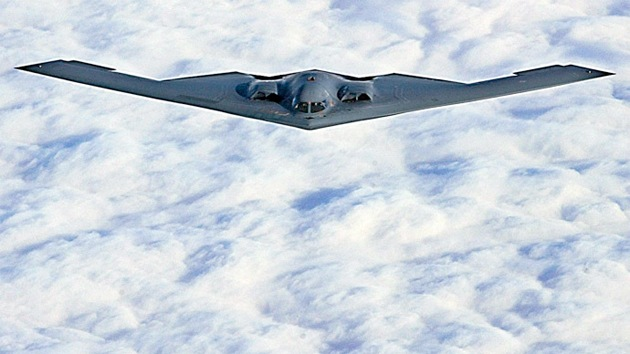 Video: EE.UU. despliega bombarderos furtivos B-2 en Europa