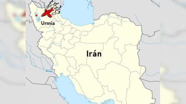 Un avión con más de 100 pasajeros se estrella en Irán