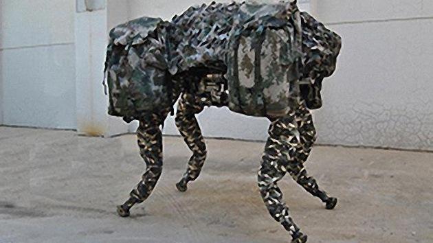 China saca a pasear a su propio perro robótico, una copia del Big Dog de EE.UU.