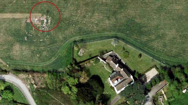 Una británica descubre un fantasma en las ruinas de una aldea en los mapas de Google