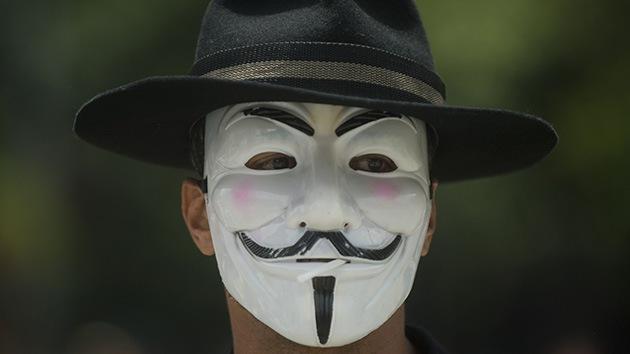 Anonymous desmiente que un informante del FBI 'hackeara' una de sus cuentas en Twitter