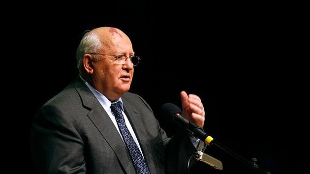 Diputados rusos proponen sentar en el banquillo a Gorbachov por disolver la URSS