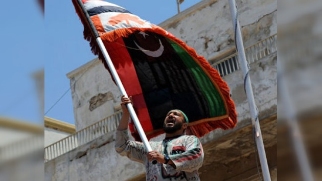 EE. UU. apoya al consejo rebelde libio e insiste en que Gaddafi abandone el poder