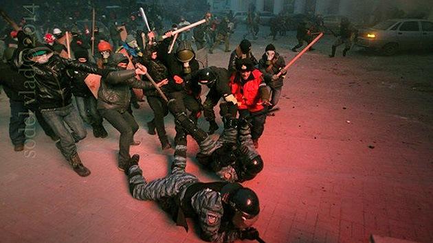 """""""EE.UU. corre el riesgo de ser el patrocinador del terrorismo neofascista en Ucrania"""""""