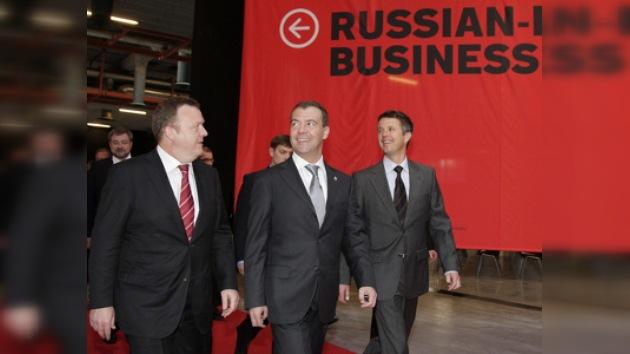 """Dmitri Medvédev: """"Las relaciones ruso-danesas pasan por un buen momento"""""""
