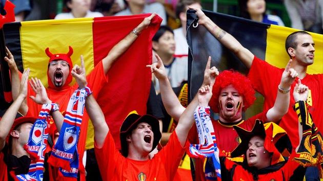 El 'amor' por el fútbol hace que los hinchas se pongan en venta para la Eurocopa