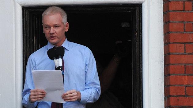 """Caso Assange: """"La retórica antiecuatoriana británica refleja su ambición imperialista"""""""
