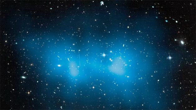 La masa del mayor clúster de galaxias del universo es de 3 cuatrillones de soles