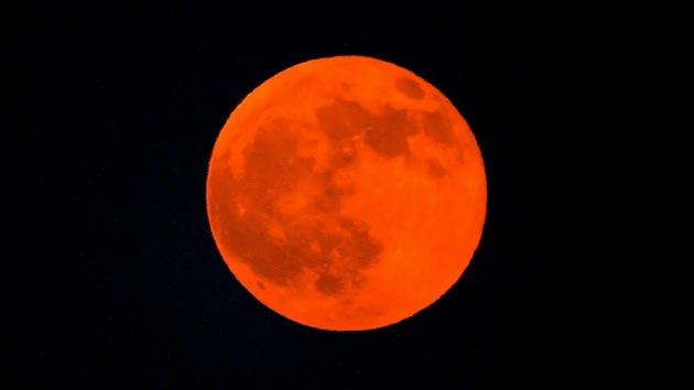 Fenómenos que nos trae esta primavera: Luna roja, Marte cercano y eclipse anular de Sol