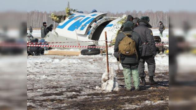 Las 'cajas negras' del avión siniestrado en Siberia están siendo descifradas