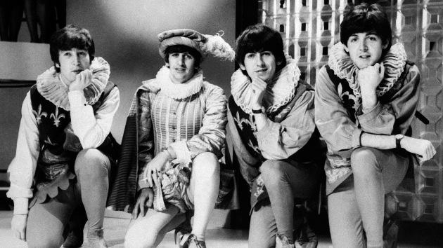 Intentarán grabar el álbum debut de los Beatles en las mismas condiciones