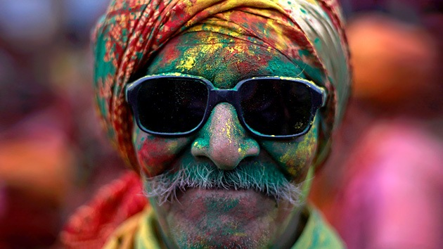 La India celebra el festival de colores Holi