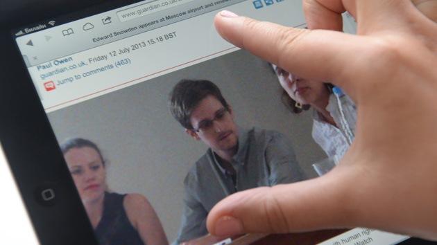 ONGs alemanas premian a Snowden como 'informante del año'