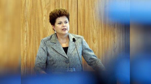 La presidenta brasileña Rousseff le marca un gol a la popularidad de Lula da Silva
