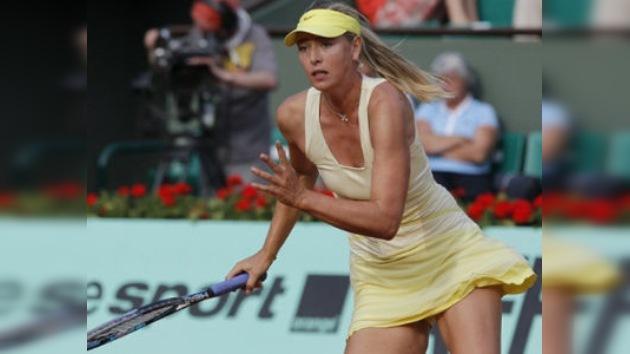María Sharápova vence a Radwanska y se mete en los cuartos de final de Roland Garros