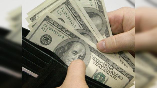 Un argentino recibe 'céntimos' por devolver un maletín con 11.600 dólares