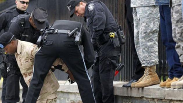 Los paracaidistas de EE.UU. detenidos en Italia por violar y robar a una rumana