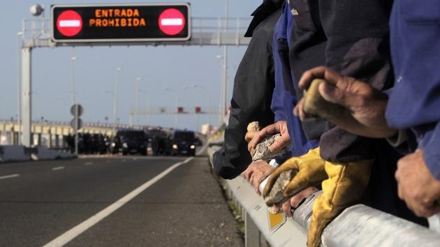 La Cumbre Iberoamericana arranca con protestas en el sur de España