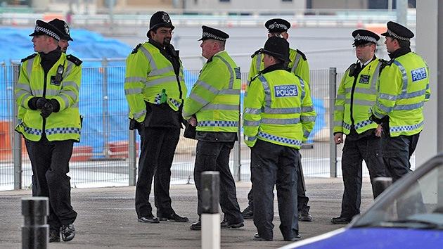 Información de un sospechoso armado con un hacha causa pánico en Londres