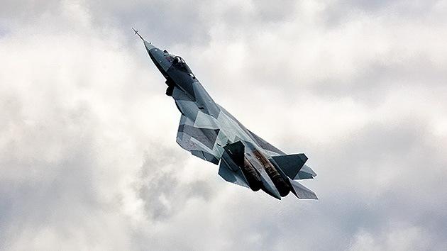 """El avión caza de quinta generación ruso-indio PAK-FA """"se venderá"""" desde 2020"""
