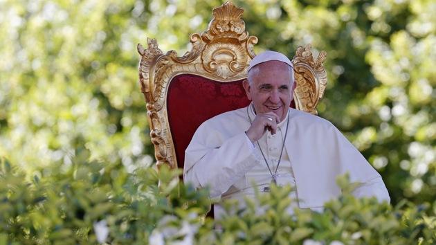 """Papa Francisco: """"El abuso sexual de clérigos a menores es un culto sacrílego que profana a Dios"""""""