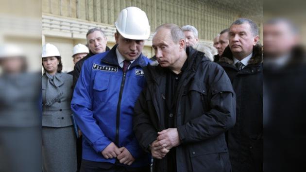 Putin puso en marcha un generador de la hidroeléctrica Sayano-Shúshenskaya