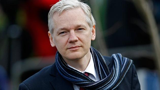Assange presenta vía Internet su libro 'Cuando Google encontró a WikiLeaks'