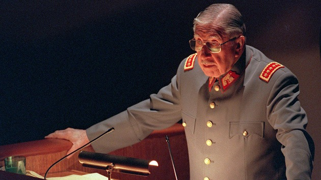 "'Forbes' aconseja a Ucrania que consiga ""a un Pinochet"" para salir de la crisis"