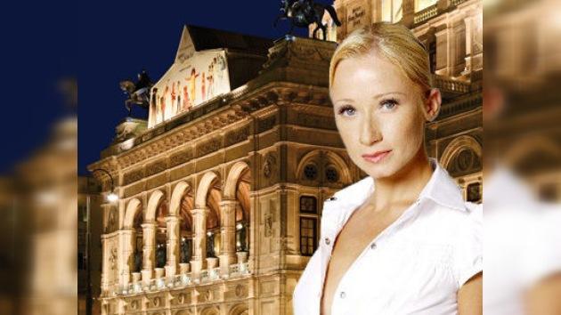 El Teatro de Viena despide a una bailarina rusa por unas fotos desnuda