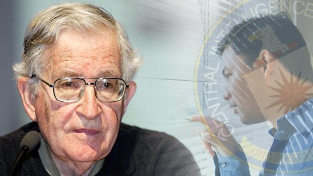 Confirmado: La CIA espió a Noam Chomsky