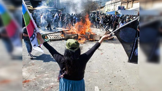 Disturbios y detenciones marcan el aniversario del golpe militar en Chile