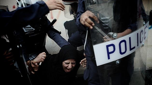 Bahréin reprime a los manifestantes que piden la liberación de los médicos